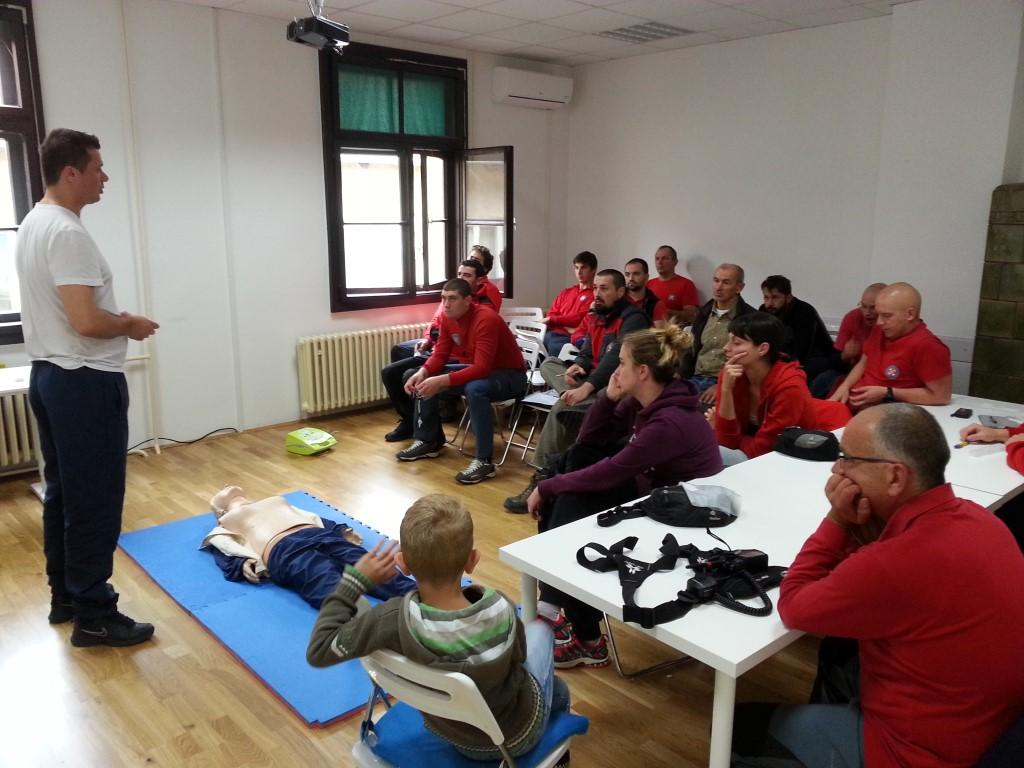 BLS + AED tečaj za HGSS Karlovac